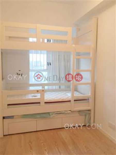 HK$ 41,500/ month Vantage Park | Western District, Charming 3 bed on high floor with harbour views | Rental
