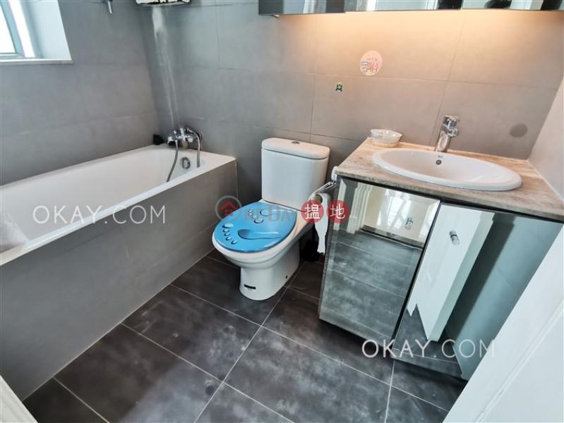 HK$ 25,000/ 月|港景峯3座油尖旺2房1廁,極高層,海景,星級會所港景峯3座出租單位
