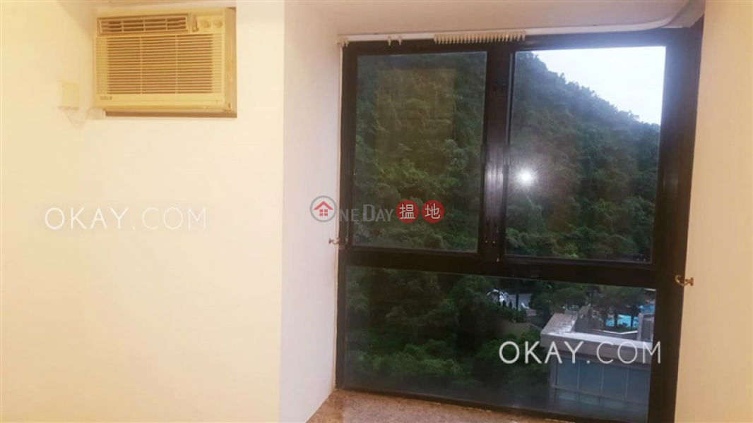 HK$ 31,000/ month, Primrose Court | Western District | Stylish 2 bedroom on high floor with rooftop | Rental