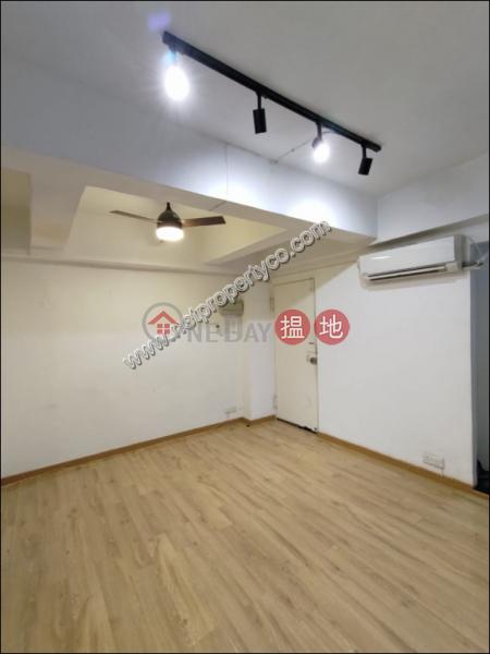 香港搵樓 租樓 二手盤 買樓  搵地   住宅 出租樓盤-Modern Stylish 2 Bedroom Walk Up Apartment