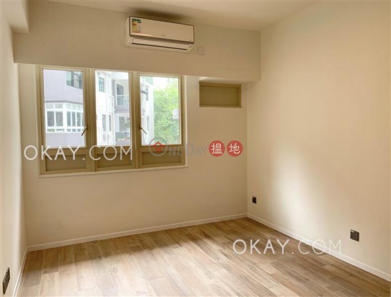 Gorgeous 2 bedroom in Mid-levels Central | Rental | St. Joan Court 勝宗大廈 Rental Listings