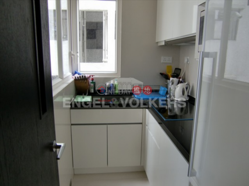 HK$ 13.8M, The Icon | Central District | 2 Bedroom Flat for Sale in Central Mid Levels