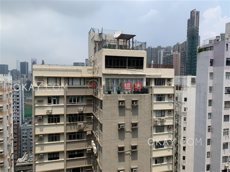 Rare 2 bedroom on high floor with balcony | Rental | Po Wah Court 寶華閣 Rental Listings