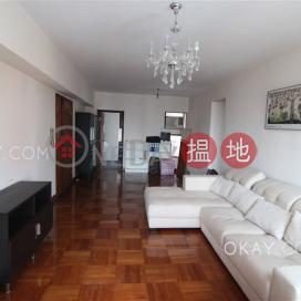 Tasteful 2 bedroom with sea views, balcony | Rental