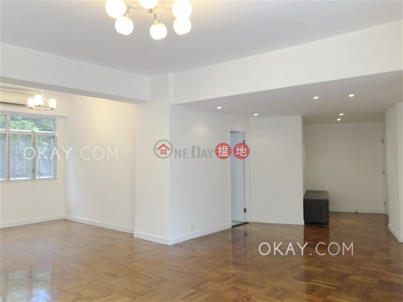 Nicely kept 3 bedroom with balcony & parking | For Sale, 55 Beacon Hill Road | Kowloon City Hong Kong | Sales, HK$ 20M