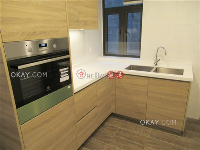 Rare 3 bedroom with balcony & parking | Rental 15 Magazine Gap Road | Central District | Hong Kong | Rental, HK$ 118,000/ month