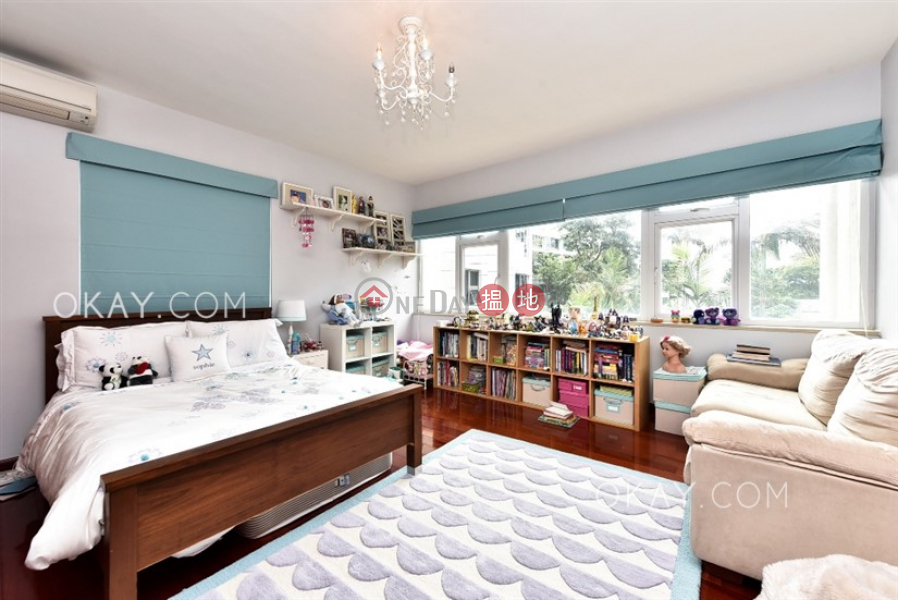 HK$ 135,000/ month 84 Repulse Bay Road, Southern District | Rare 4 bedroom with terrace & parking | Rental