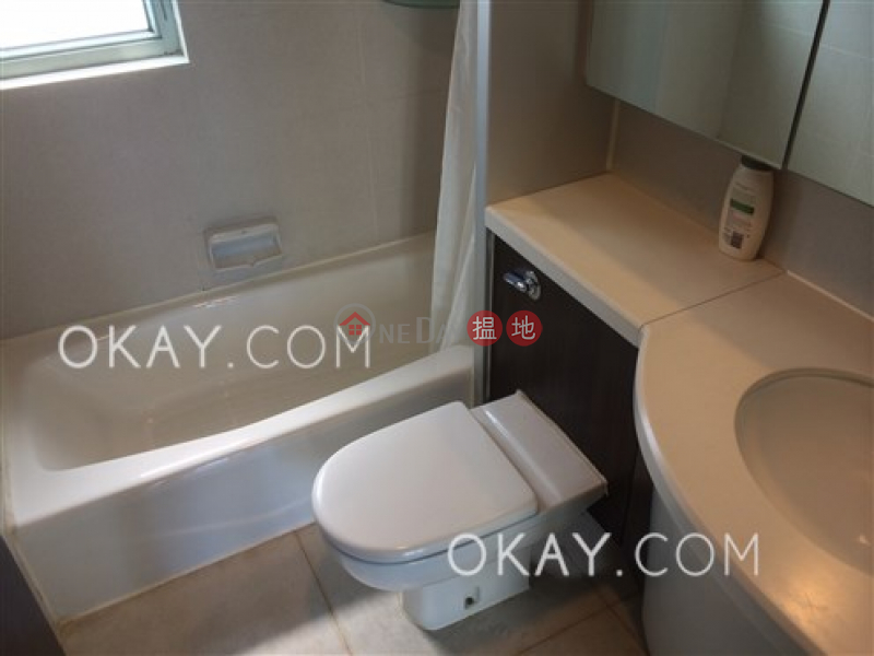 HK$ 38,000/ month Casa Bella, Central District | Gorgeous 3 bedroom with sea views & parking | Rental