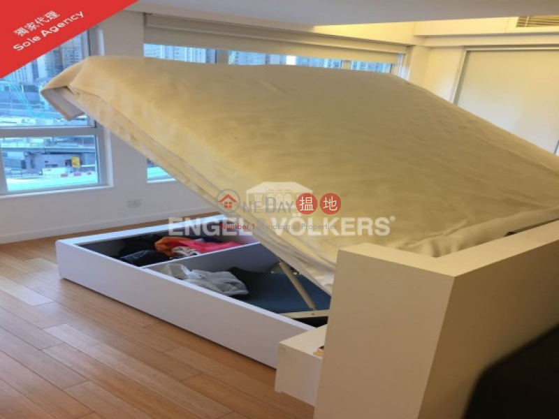 Man King Building Middle Residential, Rental Listings, HK$ 24,000/ month