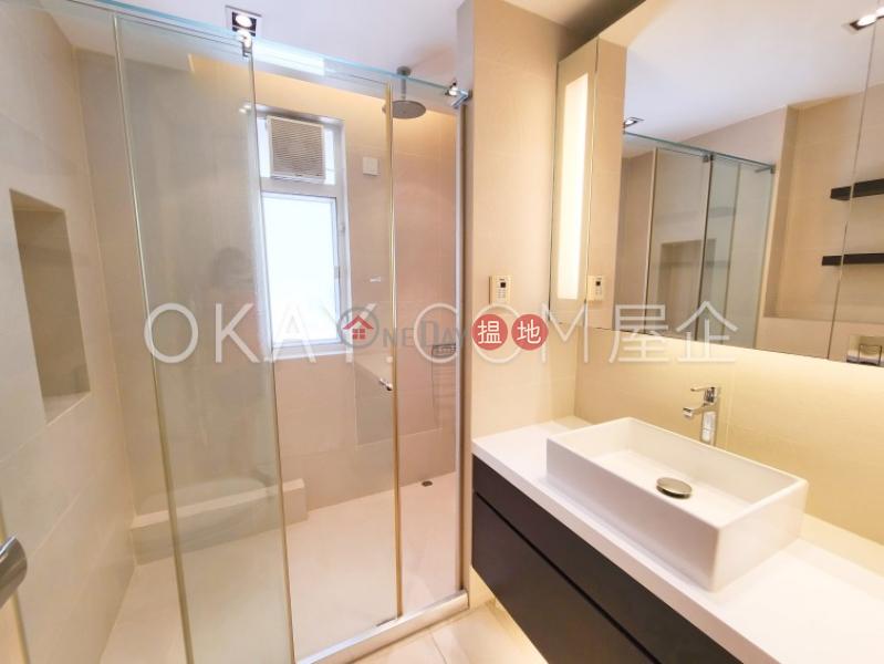 HK$ 62,000/ month | Block 45-48 Baguio Villa Western District Beautiful 3 bedroom in Pokfulam | Rental
