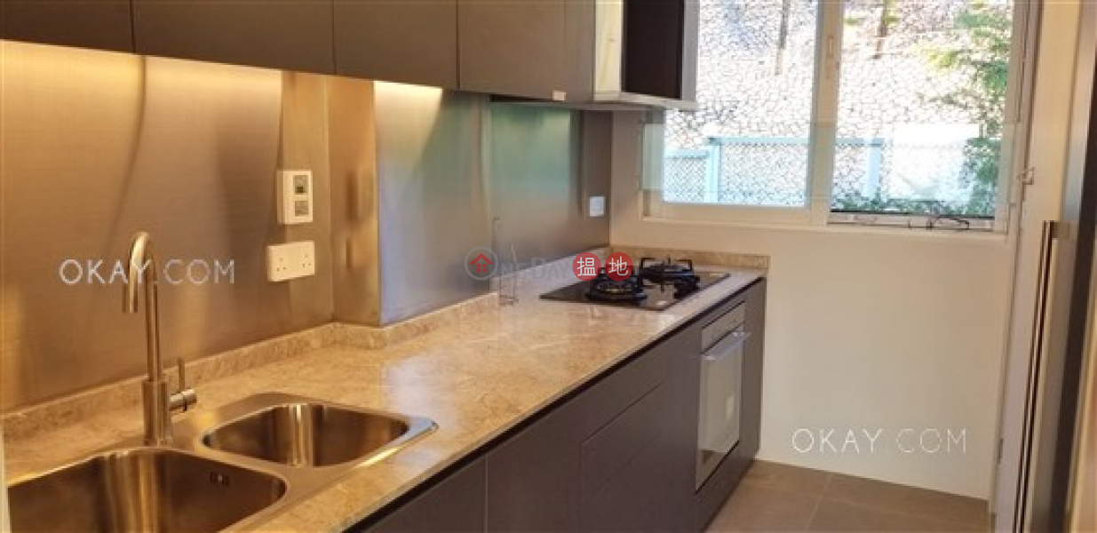 Efficient 2 bed on high floor with sea views & rooftop | For Sale | Bayview Court 碧海閣 Sales Listings