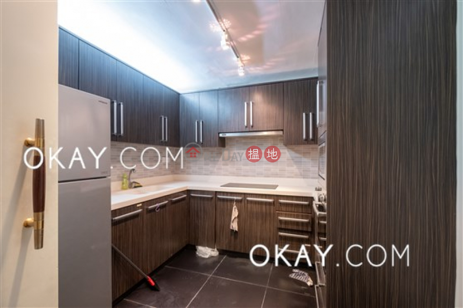 HK$ 43,000/ month, Victoria Centre Block 2 Wan Chai District, Charming 3 bedroom with harbour views & balcony | Rental