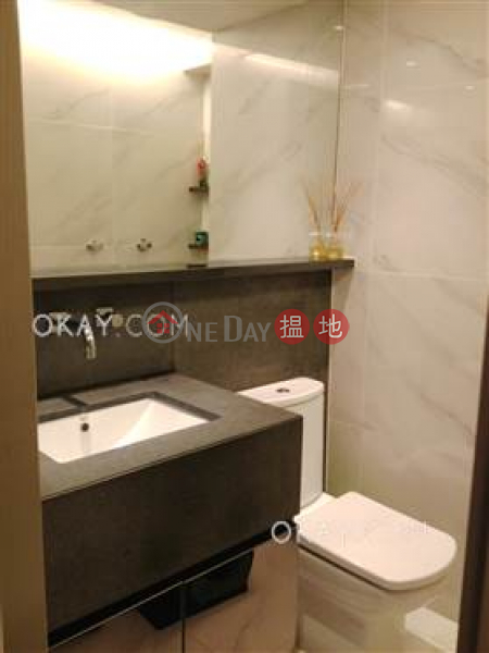 Elegant 1 bedroom with balcony & parking   Rental   Village Tower 山村大廈 Rental Listings