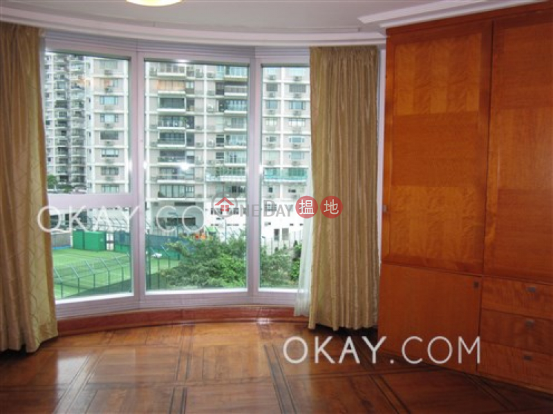 HK$ 120,000/ month | The Summit Wan Chai District | Stylish 3 bedroom with racecourse views & parking | Rental
