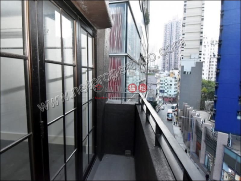 Residential with Roof Top / Balcony for Rent | 94 Hollywood Road 荷李活道94號 Rental Listings