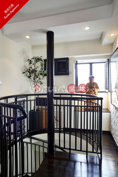 HK$ 62,000/ month, Goodview Court Central District 2 Bedroom Flat for Rent in Soho