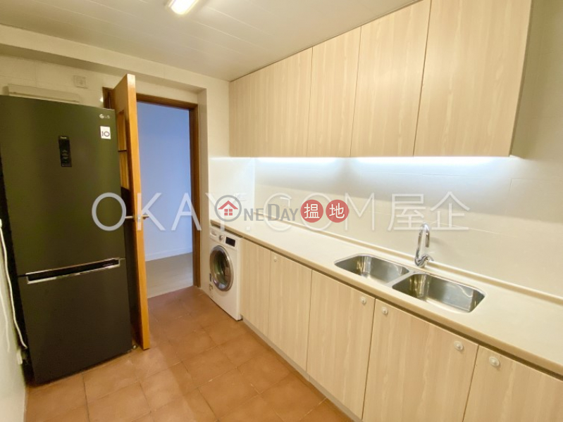 Intimate 3 bedroom on high floor with balcony   For Sale   Discovery Bay, Phase 5 Greenvale Village, Greenburg Court (Block 2) 愉景灣 5期頤峰 韶山閣(2座) Sales Listings