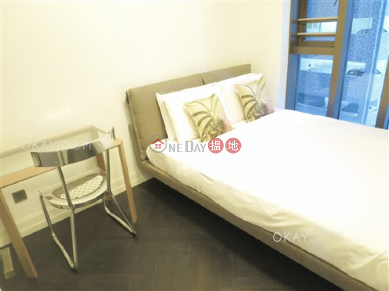 HK$ 32,000/ month | Castle One By V, Western District Stylish 1 bedroom in Mid-levels West | Rental