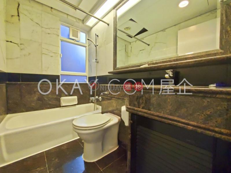 2房1廁,實用率高,極高層,星級會所曉峰閣出租單位-18舊山頂道 | 中區-香港-出租-HK$ 45,000/ 月