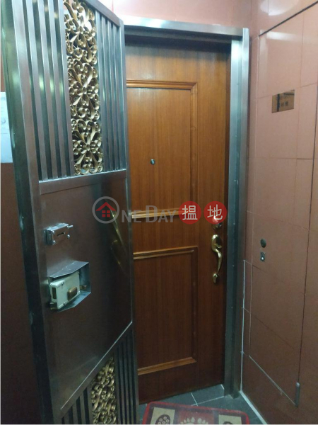 HK$ 19,000/ month Pinnacle Building, Wan Chai District, Flat for Rent in Pinnacle Building, Wan Chai