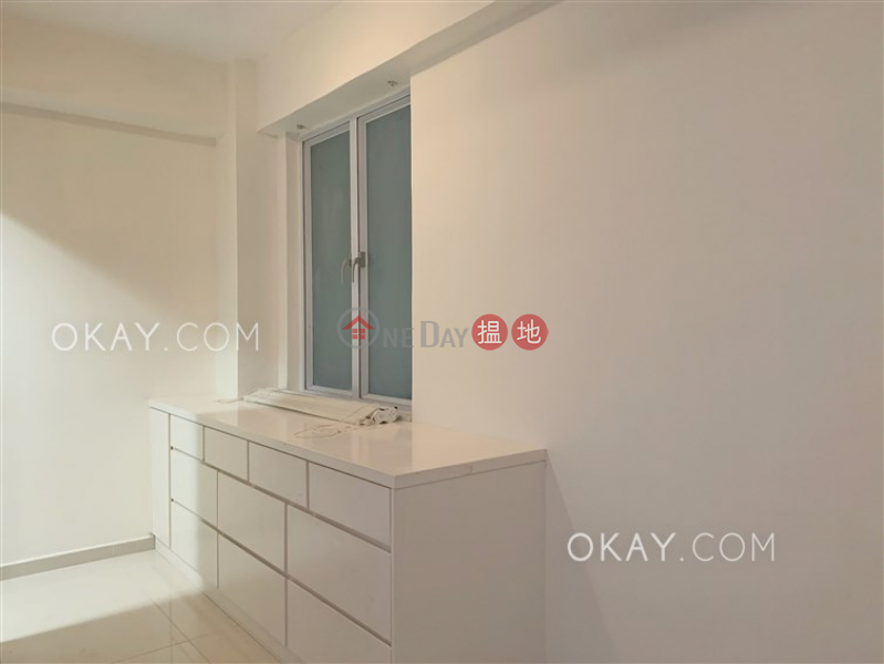HK$ 27,000/ month 10 Castle Lane Western District | Charming 2 bedroom in Mid-levels West | Rental