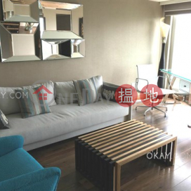 Stylish 2 bedroom with sea views & parking | Rental