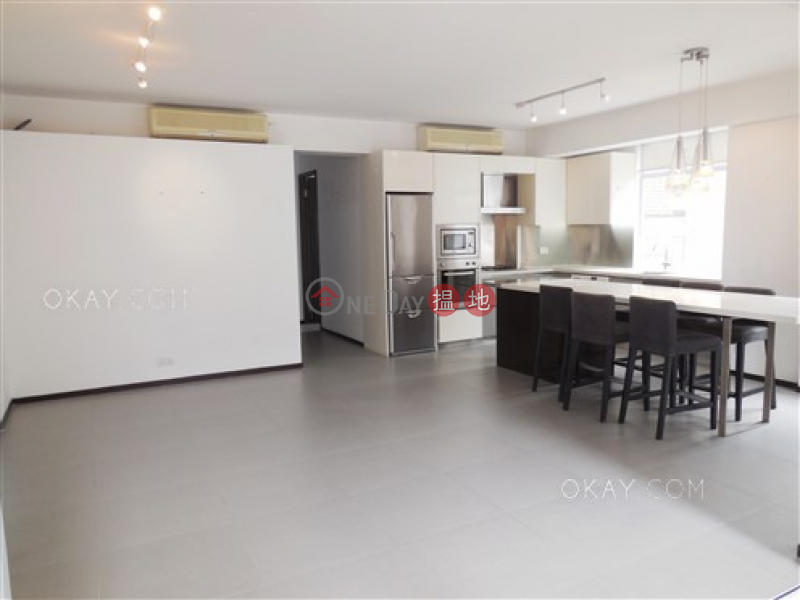 HK$ 23M | Igloo Residence, Wan Chai District, Elegant 2 bedroom on high floor with rooftop & balcony | For Sale