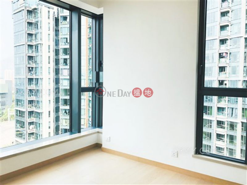 HK$ 13.5M | The Bloomsway, The Laguna Tuen Mun | Nicely kept 3 bed on high floor with sea views | For Sale
