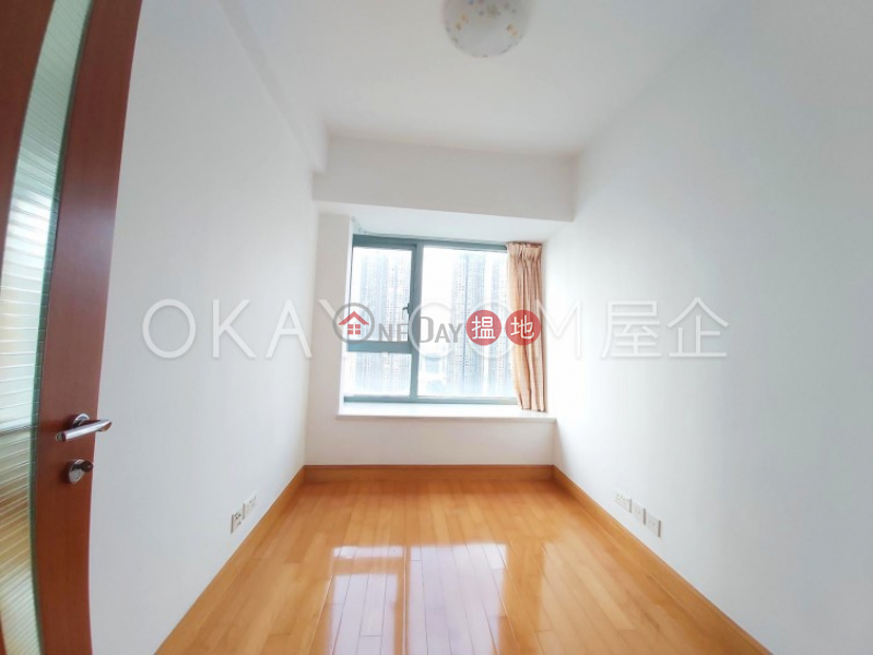 Charming 3 bedroom on high floor with balcony & parking | Rental | The Harbourside Tower 2 君臨天下2座 Rental Listings