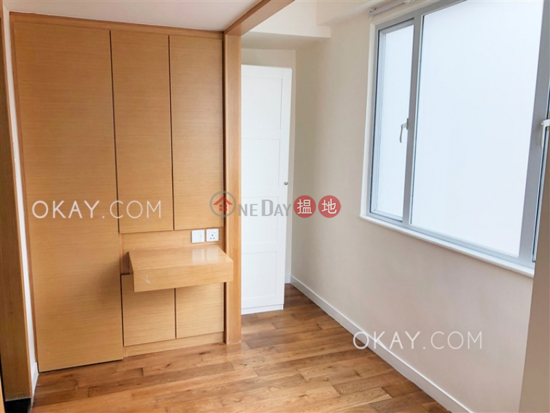 HK$ 34,000/ month Village Tower, Wan Chai District, Nicely kept 2 bedroom with balcony | Rental