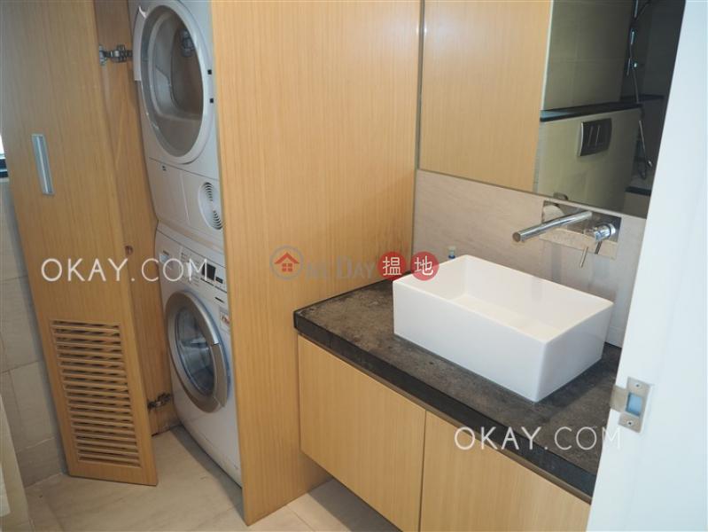 HK$ 55,000/ month, Aqua 33 | Western District Elegant 3 bedroom with balcony & parking | Rental