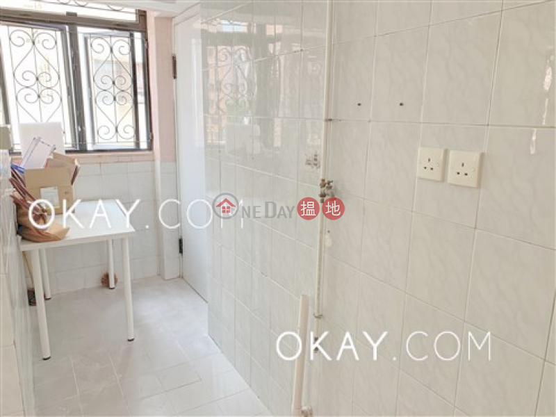 3房2廁,連車位《巴豪苑出售單位》-8巴芬道 | 油尖旺香港|出售-HK$ 2,000萬