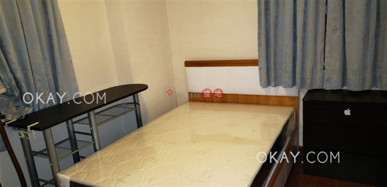 HK$ 26,000/ month | (T-29) Shun On Mansion On Shing Terrace Taikoo Shing, Eastern District | Unique 2 bedroom on high floor | Rental