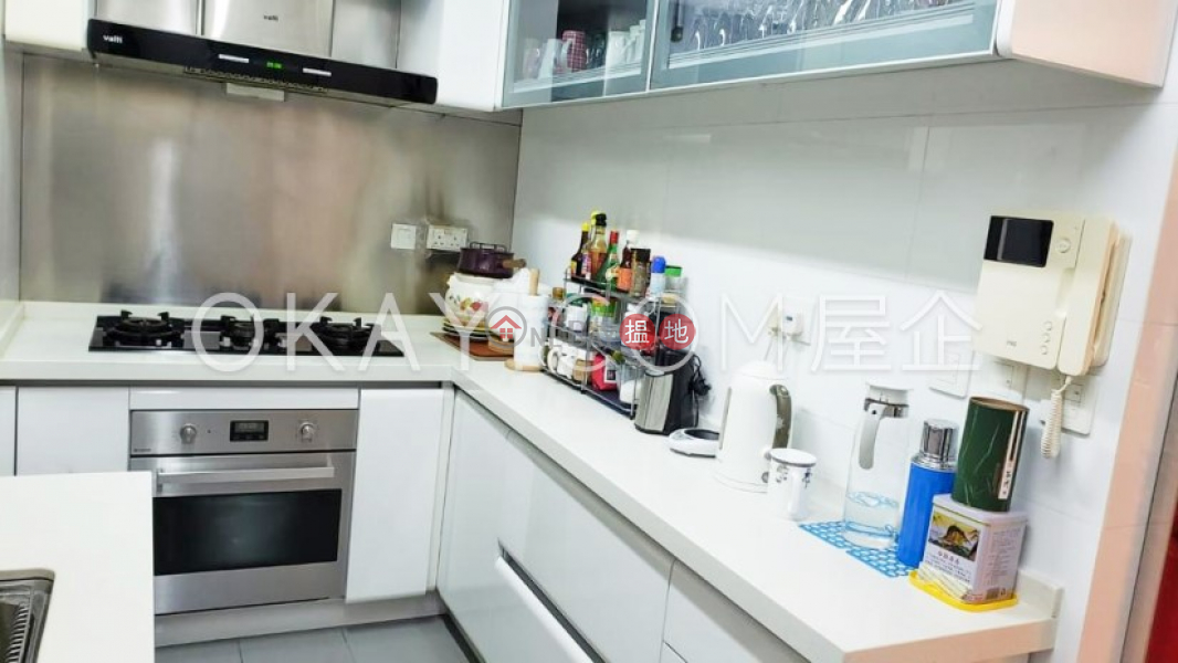 Rare 3 bedroom with parking | For Sale | 1 King\'s Park Rise | Yau Tsim Mong Hong Kong Sales HK$ 24M