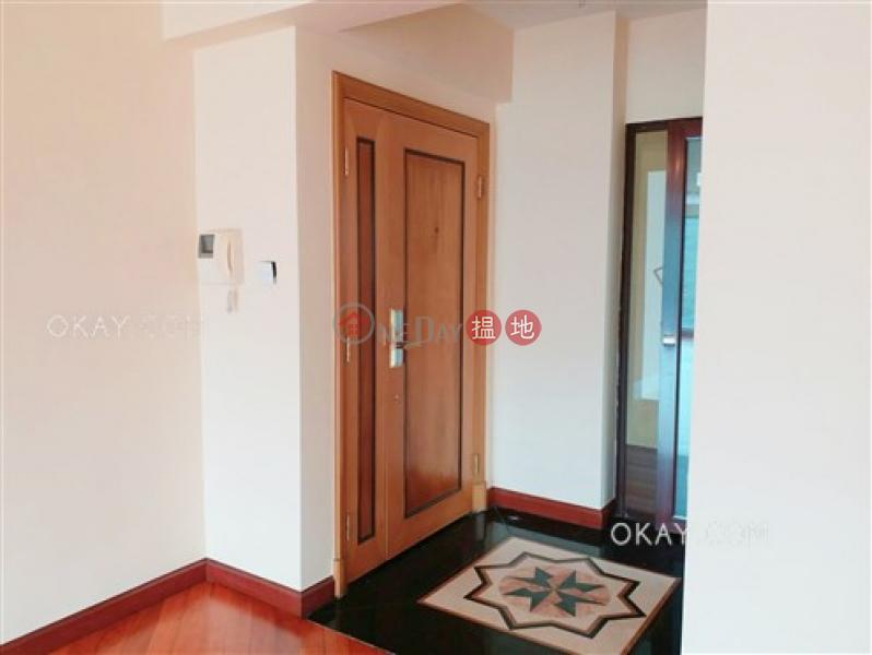 Nicely kept 3 bedroom on high floor with parking | Rental | Hillview Court Block 5 曉嵐閣5座 Rental Listings