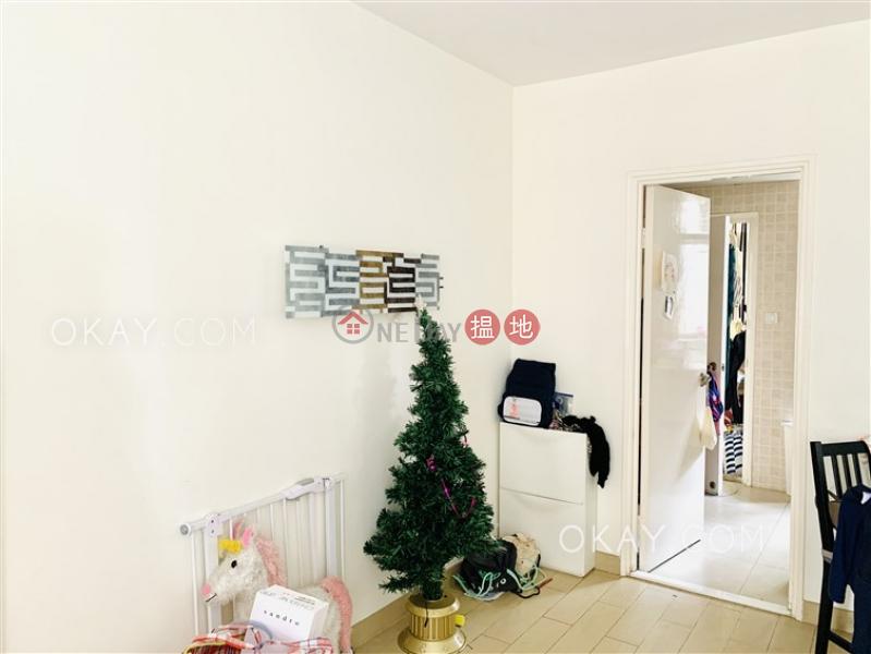 Popular 3 bedroom in Mid-levels West | Rental | Roc Ye Court 樂怡閣 Rental Listings