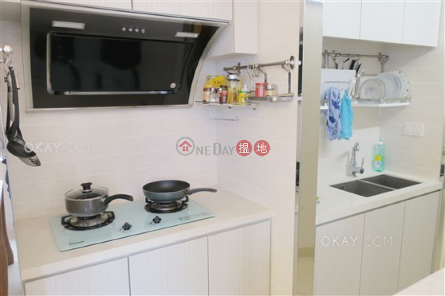 HK$ 13.8M | Jolly Garden Wan Chai District Charming 2 bedroom with parking | For Sale