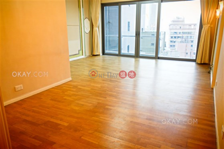 Property Search Hong Kong | OneDay | Residential | Sales Listings | Unique 3 bedroom on high floor with balcony | For Sale