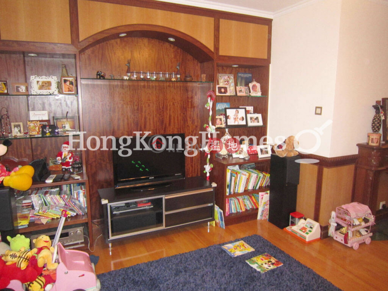 3 Bedroom Family Unit for Rent at Imperial Court, 62G Conduit Road   Western District, Hong Kong, Rental HK$ 50,000/ month