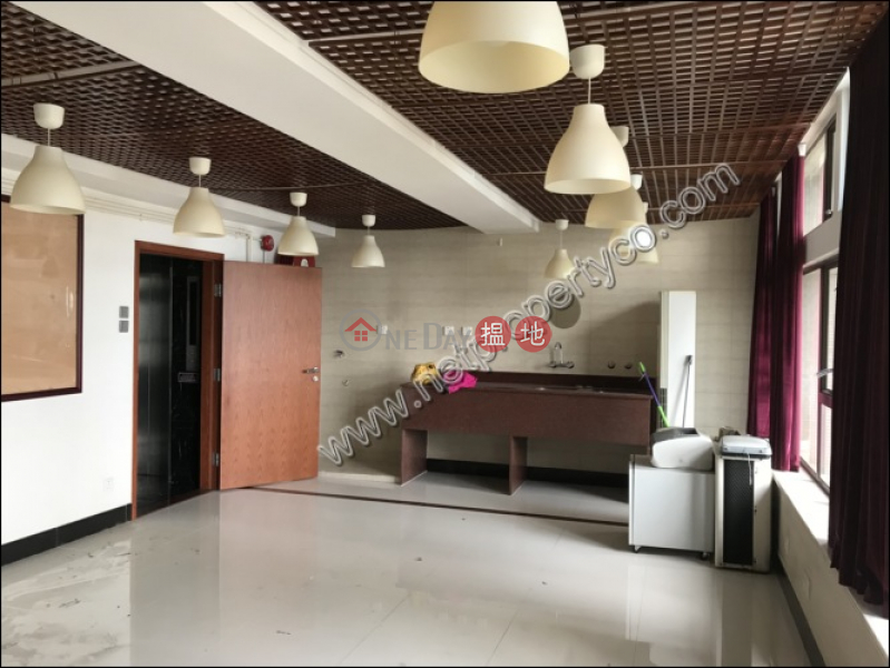 Office for Rent in Sheung Wan, Des Voeux Commercial Centre 德輔商業中心 Rental Listings | Western District (A061559)