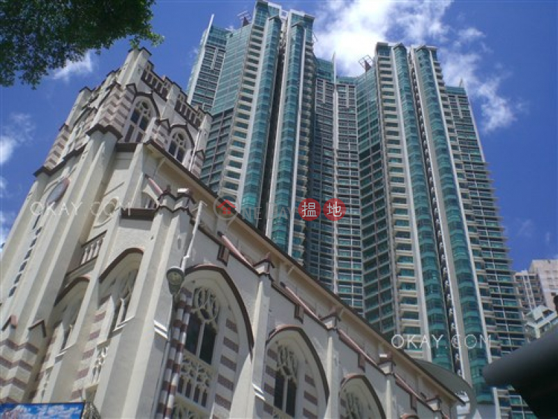 HK$ 60,000/ 月羅便臣道80號-西區-3房2廁,星級會所《羅便臣道80號出租單位》