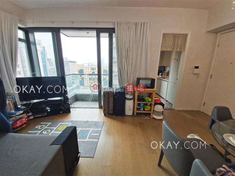 HK$ 18.5M The Warren Wan Chai District | Charming 2 bedroom with harbour views & balcony | For Sale