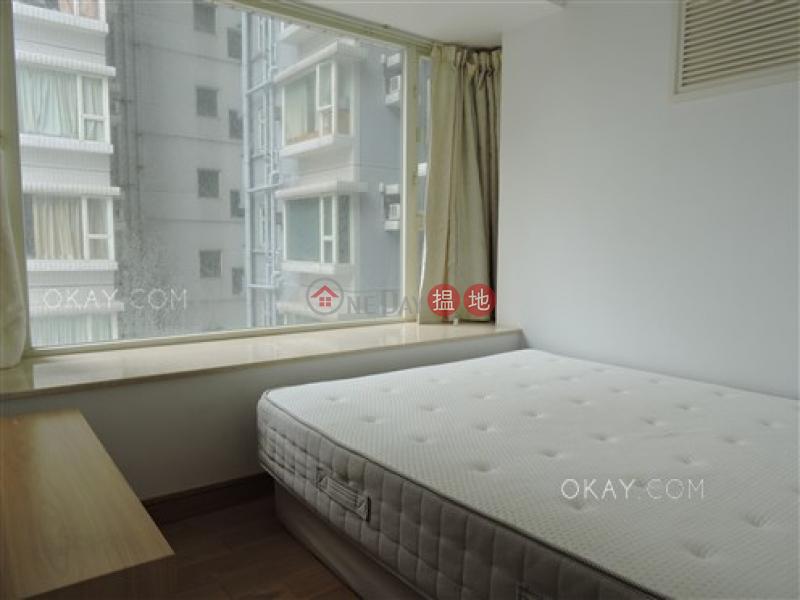 2房1廁,極高層,星級會所,露台《聚賢居出租單位》108荷李活道 | 中區香港|出租|HK$ 27,000/ 月