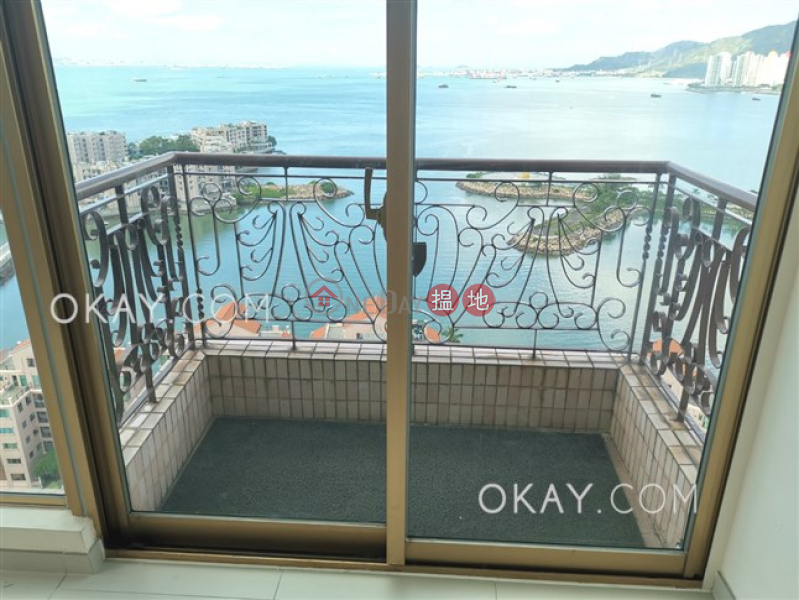 HK$ 33,600/ month, Hong Kong Gold Coast Block 20 Tuen Mun, Stylish 3 bedroom on high floor with rooftop & balcony | Rental