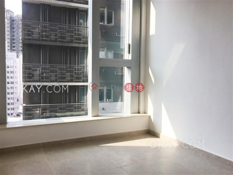 1房1廁,星級會所,露台《RESIGLOW薄扶林出租單位》|8興漢道 | 西區-香港-出租-HK$ 27,400/ 月