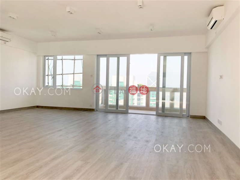 Efficient 4 bed on high floor with balcony & parking | Rental | Rose Gardens 玫瑰別墅 Rental Listings