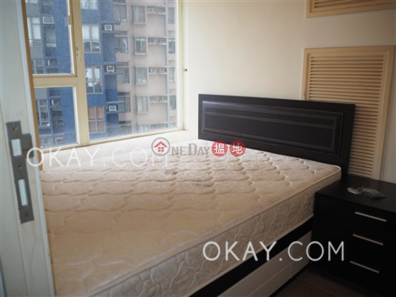 HK$ 26,800/ month, Centrestage | Central District | Cozy 2 bedroom with harbour views & balcony | Rental