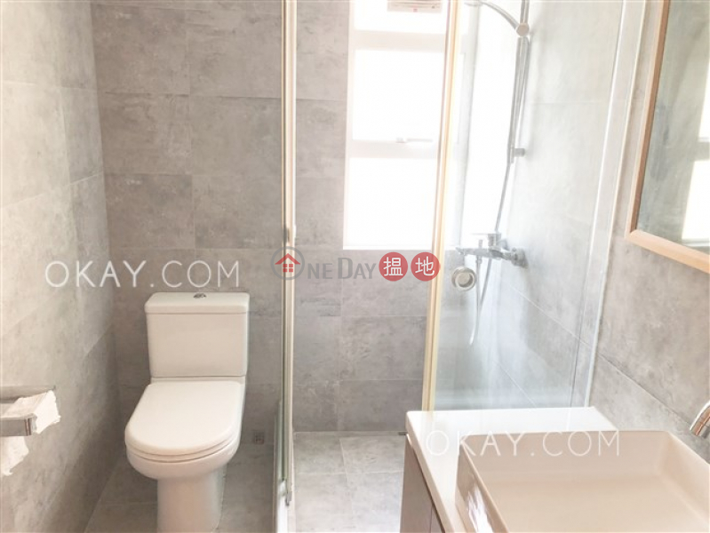 Stylish 2 bedroom in Mid-levels West | Rental | Robinson Heights 樂信臺 Rental Listings