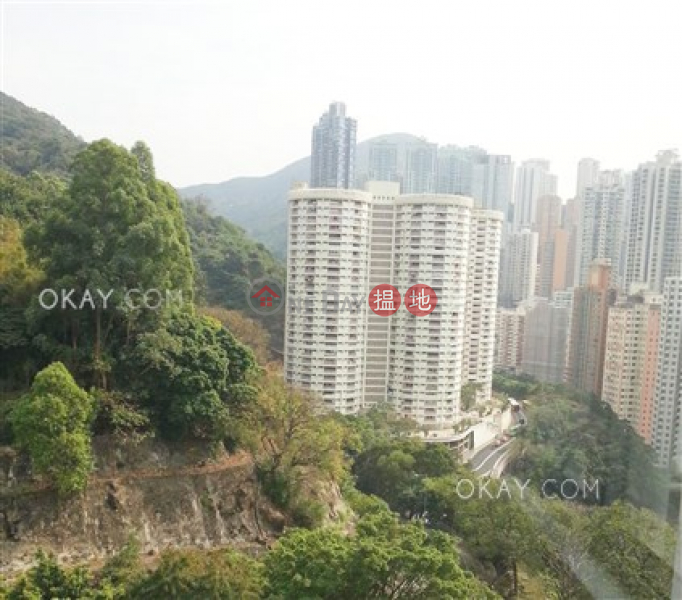 Gorgeous 3 bedroom on high floor with balcony & parking | Rental | Block A Dragon Court 金龍大廈 A座 Rental Listings