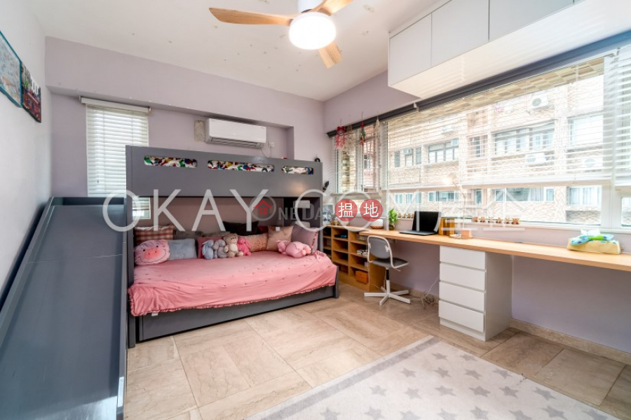 HK$ 36M GALLANT COURT | Yau Tsim Mong Efficient 3 bedroom on high floor with parking | For Sale